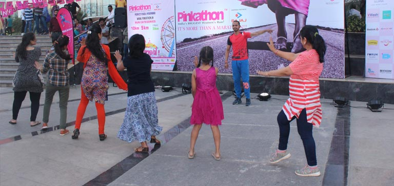 Pinkathoan Bib Distribution Activity